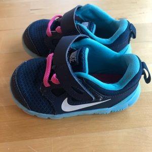 Toddler girl Nike sneakers size 6